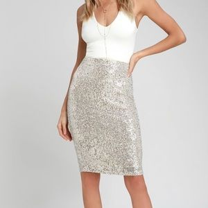 Lulu's silver sequin pencil skirt NWT Large